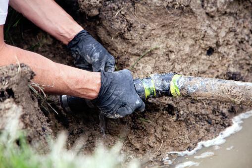 boelcke plumber repairing water main